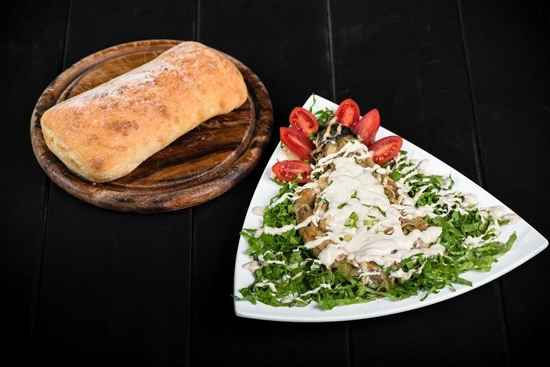 מסעדת הפסאז׳ בשדרות חציל בטחינה