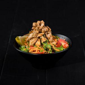 מסעדת הפסאז׳ בשדרות סלט חזה עוף